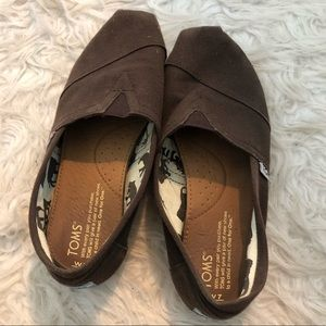 Brown Canvas Classic Toms Slip on Shoes